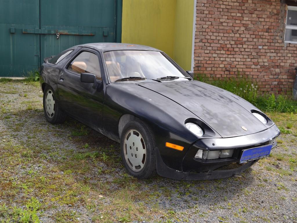 PORSCHE 928 4.5 V8 MANUÁL